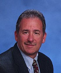 Photo of Dr. Gordon Leichter, Faculty / Alumni