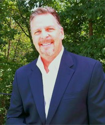 Photo of Faculty, Dr. Todd Senft